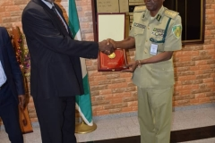 CONTROLLER-GENERAL-NCS-PRESENTS-DG-LAC-WITH-PLAQUE